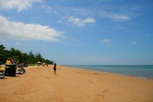 Berlibur ke Pantai Manggar Segaraasri Kota Balikpapan
