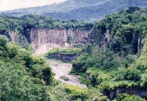 Berpetualang di Lembah Ngarai Sianok kota Padang
