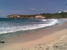 Yuk Surfing di Pantai Teleng Ria Pacitan