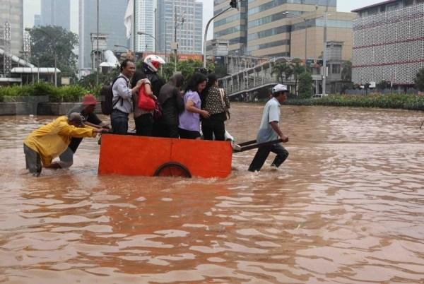 Jika Barang - barang Terlanjur Kena Air Banjir