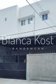 Blanca Kost Bandengan Selatan