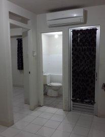Posisi kamar utama, kamar mandi dan pintu balkon