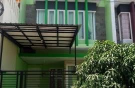 Disewakan rumah 2 lantai siap huni Lokasi Green Semanggi Mangrove Surabaya