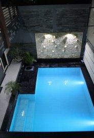 Kos Elit (Full Furnish) seperti hotel + swimming pool