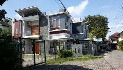 Kost Eksekutif Pria & Keluarga Wisma Cemara - Yogyakarta