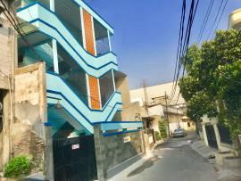 Rumah R4 - Penginapan / Kost Eksklusif dekat Kantor Bea Cukai Bypass Rawamangun