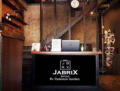 Jabrix Hostel Bandung di daerah TSM