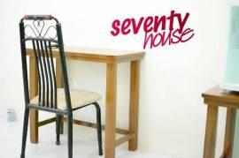 Seventy house (pria)