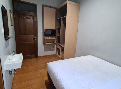 Kost Rasa Hotel di Pusat bisnis Jakarta dekat Stasiun Manggarai