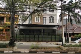 Triple T Residence Best Kostel Grogol Jakarta Barat
